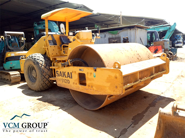 Single drum roller SV512D 2009 from Singapore